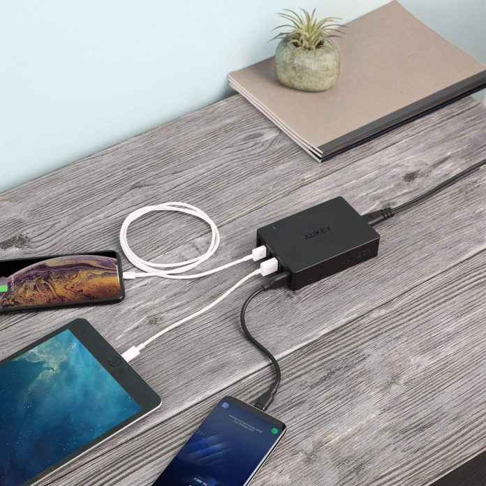 Aukey 60W 6 port usb charger